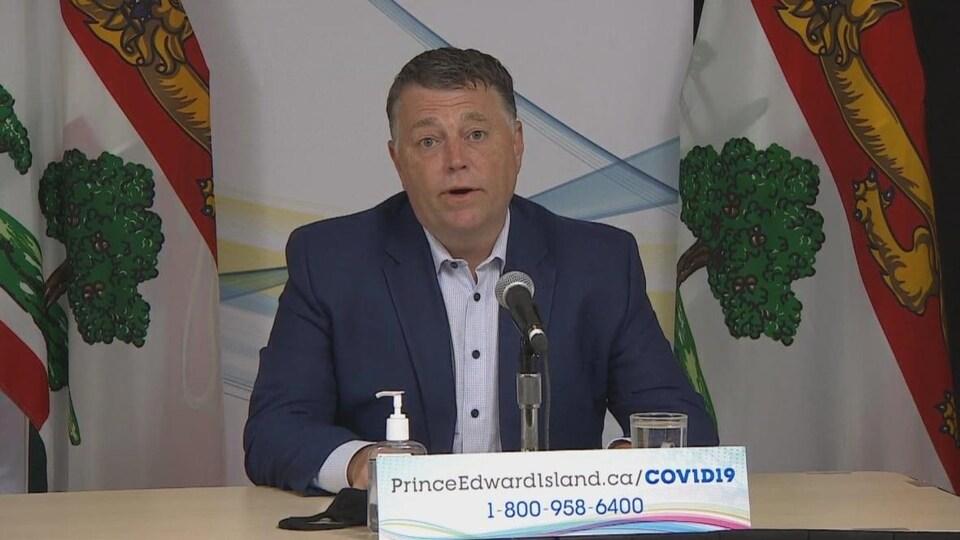 Le premier ministre de l'île, Dennis King, en conférence de presse le 9 juillet 2021.