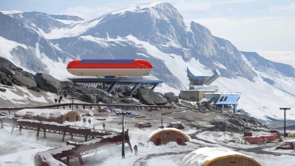 Une illustration d'un modèle de dirigeable rouge et blanc sur lequel se trouve des panneaux solaires arrimé à une plateforme d'atterrissage dans un paysage nordique et montagneux.