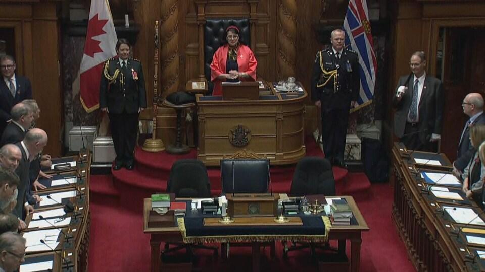 La lieutenante-gouverneure, Janet Austin, lors du discours du Trône.