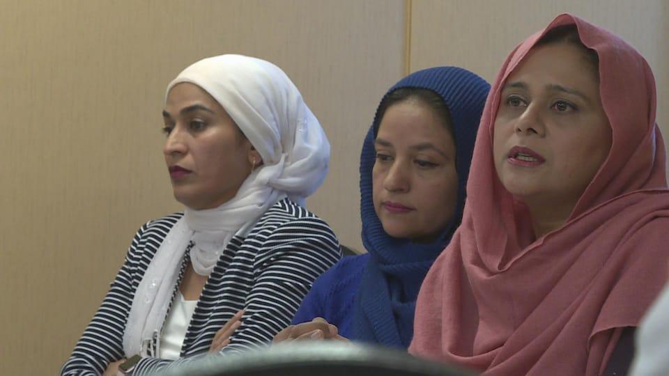 Fozia Alvi, Fizza Rafiq et Sameena Kamran