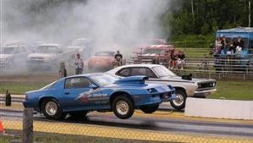 Des courses d'accélération à Saint-Élie Motorsports