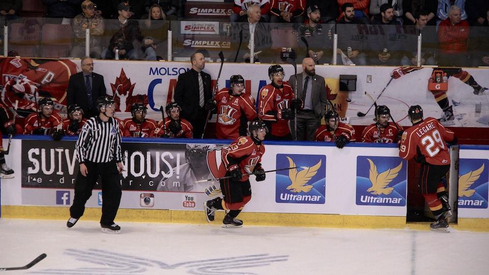 Les joueurs du Drakkar affrontent les Mooseheads d'Halifax à Baie-Comeau.