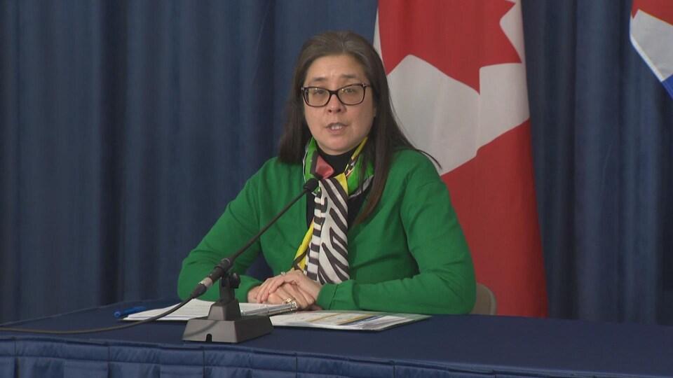 La Dre Eileen de Villa en conférence de presse.