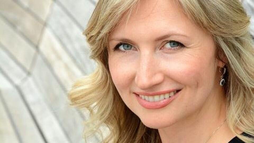 Portrait photo de la Dre Iryna Ivanova.