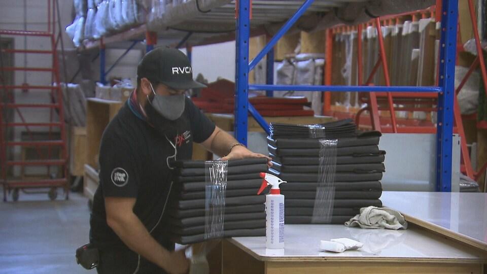 Un employé au travail.