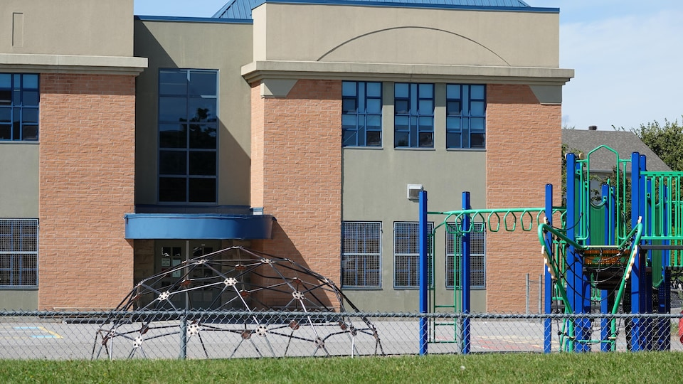 La cour d'école de l'École du Plateau, à Gatineau.