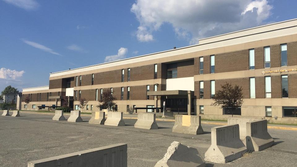 L'école secondaire D'Iberville.