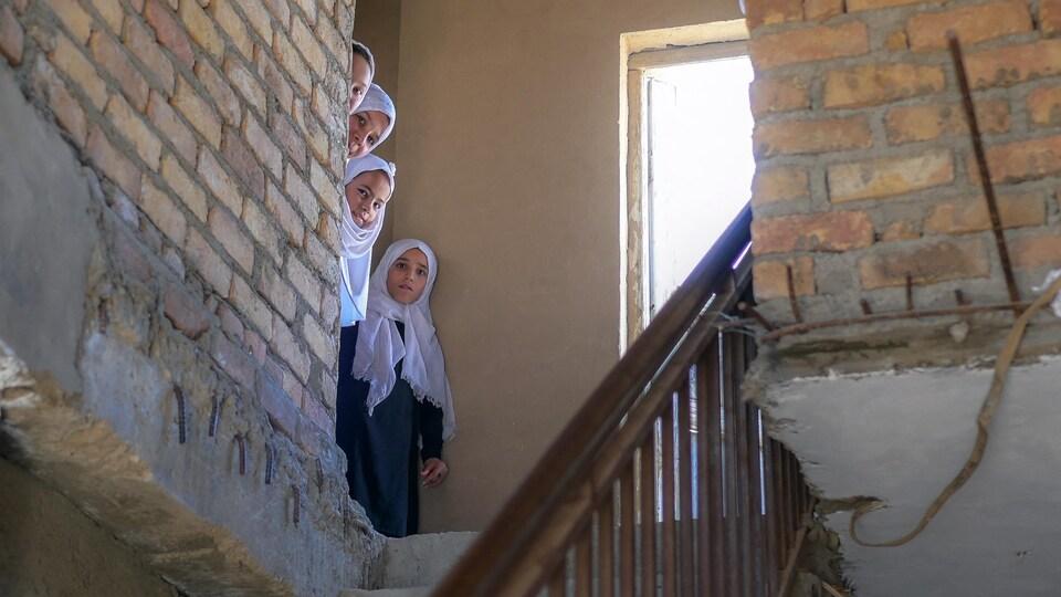 Des filles dans une école afghane.