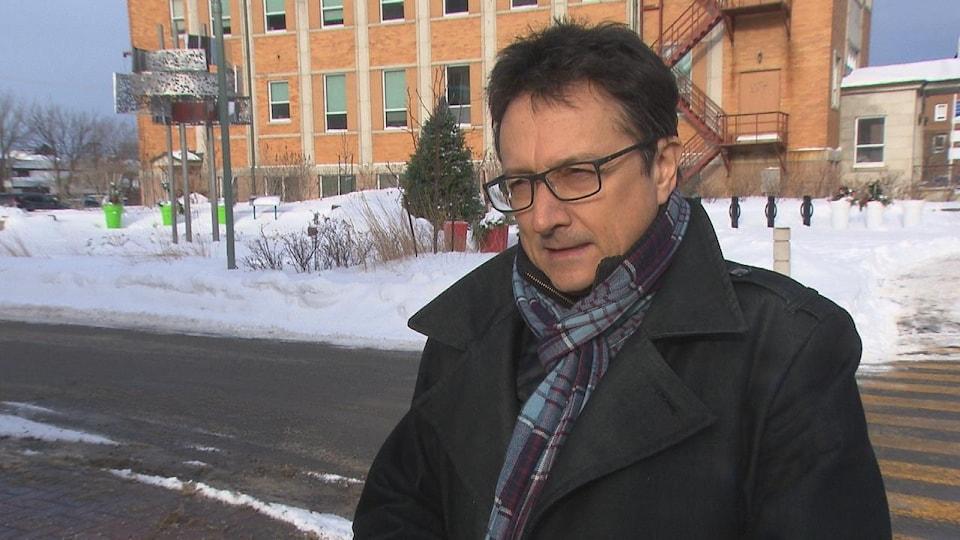 Eddy Métivier est membre du comité des usagers de l'aéroport de Matane