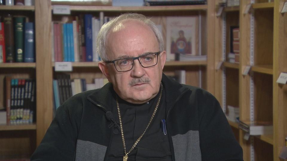 «Les gens ne veulent vraiment pas donner pour que  [les dons] aillent aux victimes. Ça, les gens me le disent très clairement. Il y a cette peur-là», Valéry Vienneau, archevêque de Moncton.
