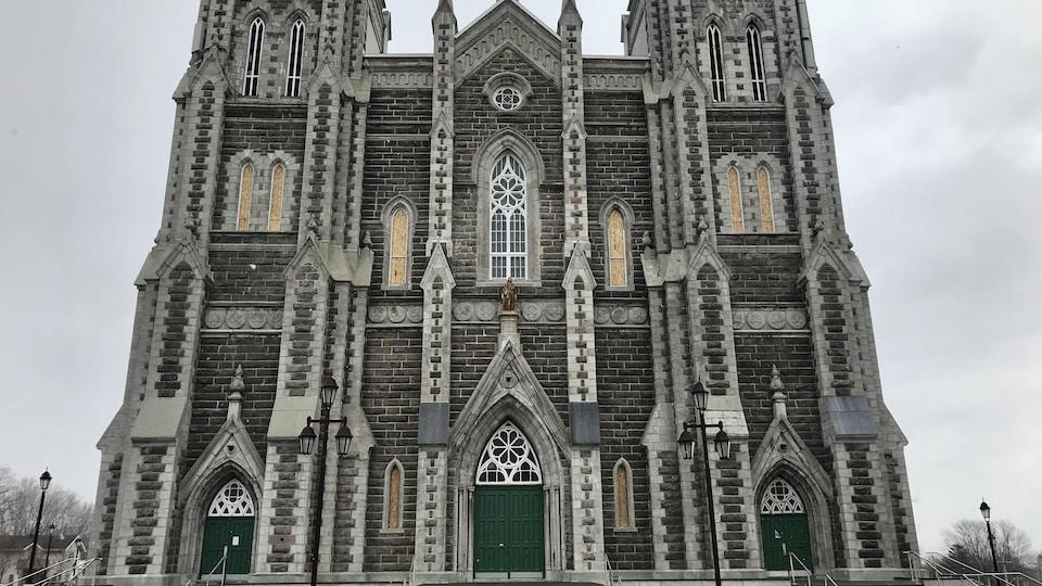 News au 5 mai 2020 Eglise-nativite-exterieur
