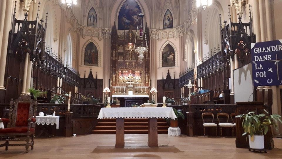 News au 5 mai 2020 Eglise-nativite-interieur