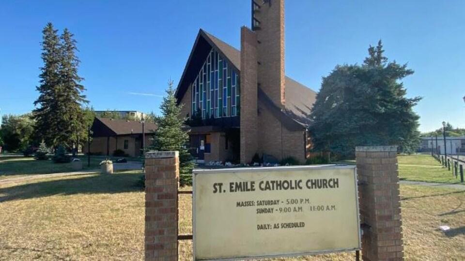 L'église St. Emile à Winnipeg vue de l'extérieur
