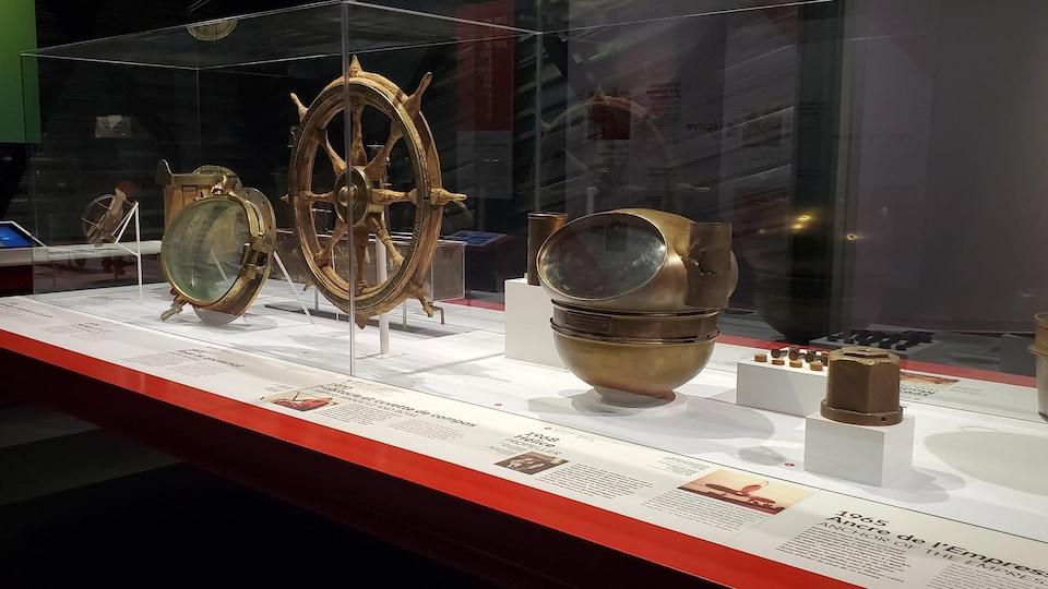 Des artefacts du navire.