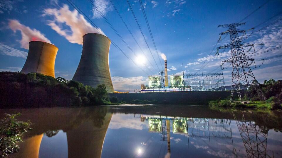Une centrale électrique au charbon.