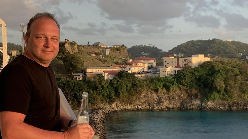 Éric Tremblay pendant sa croisière dans les Caraïbes.