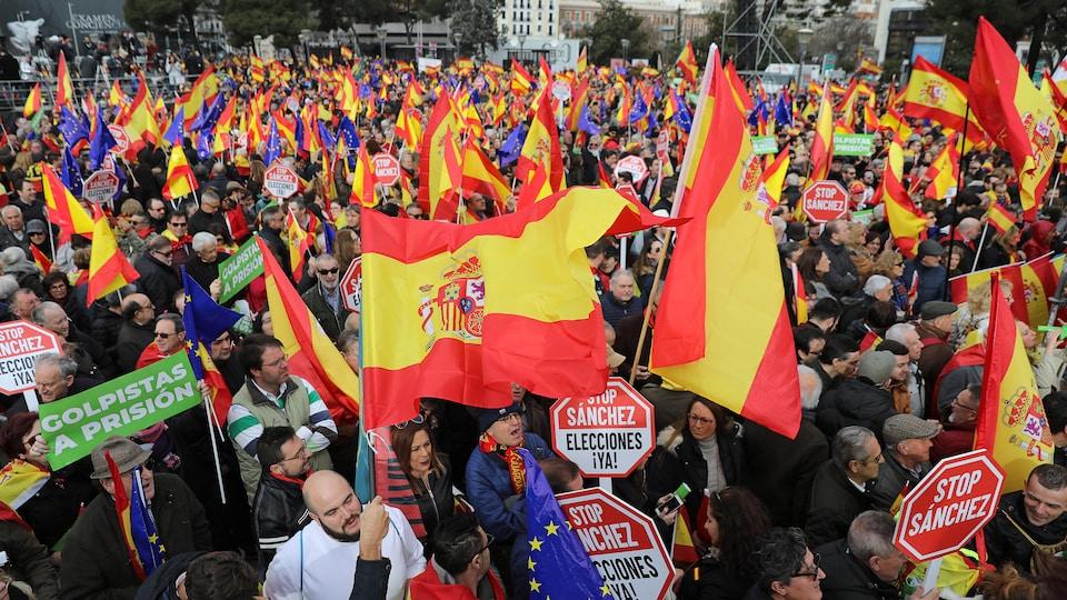 Des manifestants rassemblés en Espagne