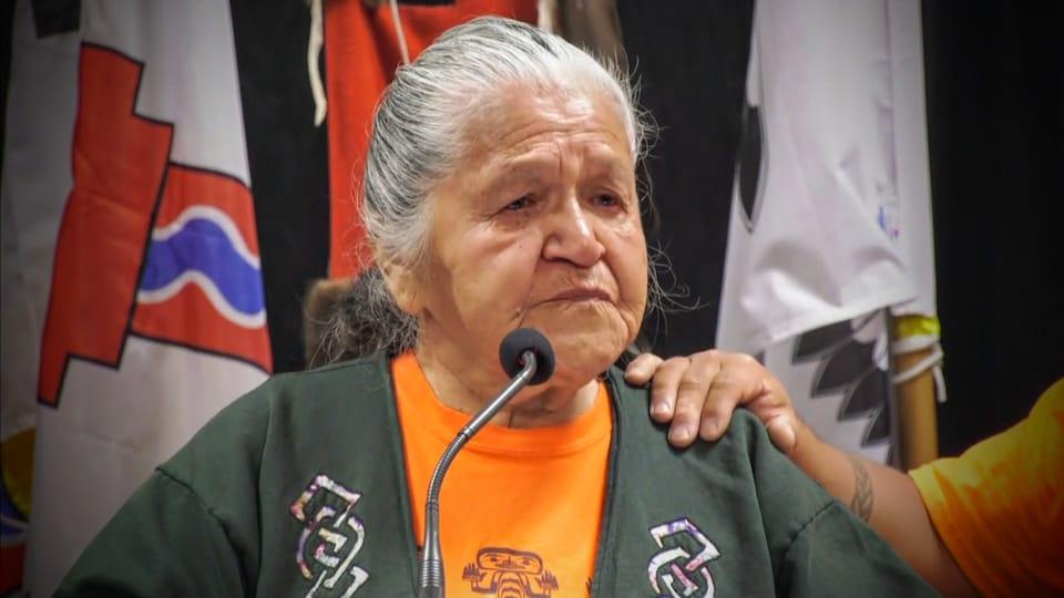 Evelyn Camille témoigne du traumatisme des pensionnats pour Autochtones.