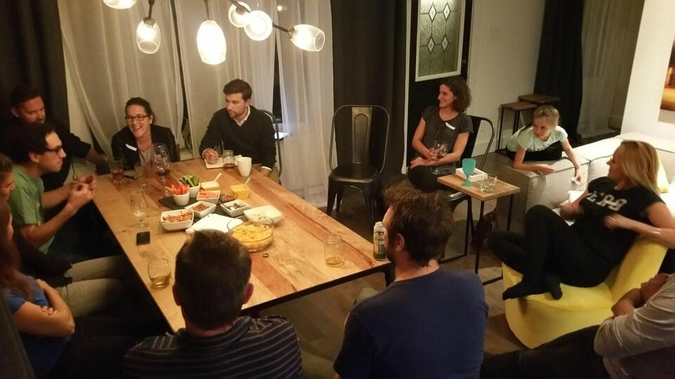 Assemblée de cuisine de «Faut qu'on se parle» à Montréal