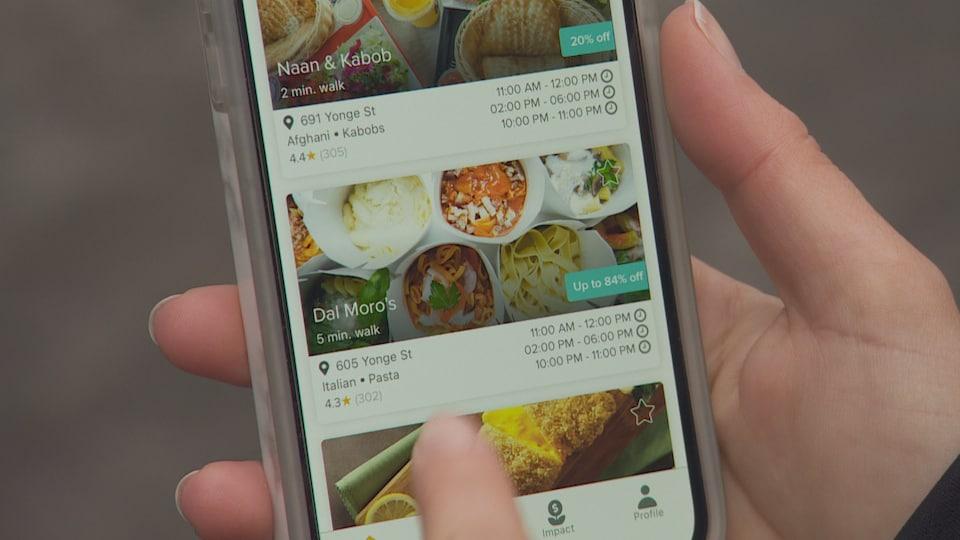 L'application mobile FeedBack sur un téléphone intelligent.