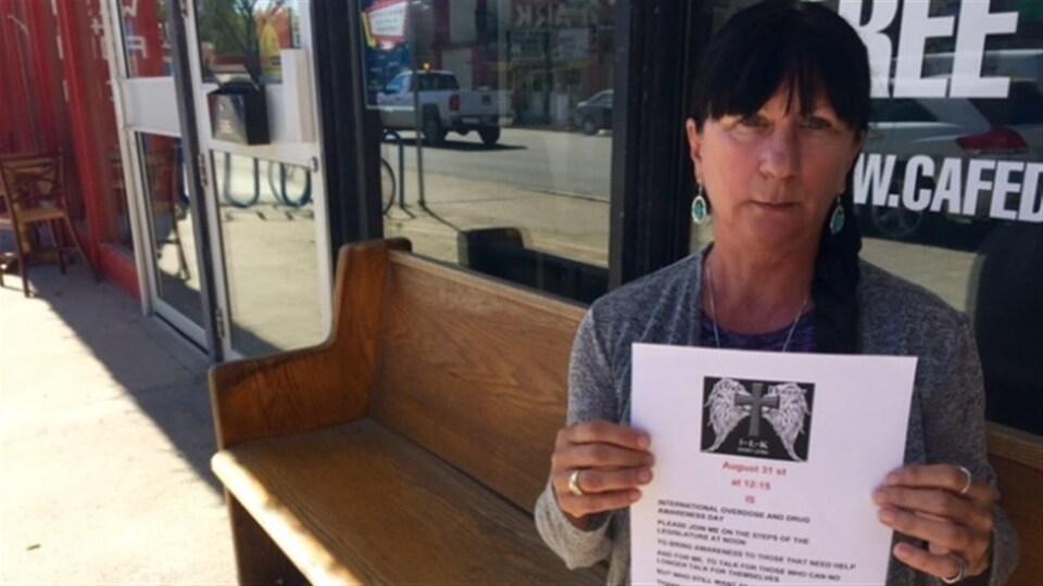 Arlene Last-Kolb a organisé en collaboration avec Christine Dobbs un rassemblement pour sensibiliser aux risques liés à la consommation de fentanyl.