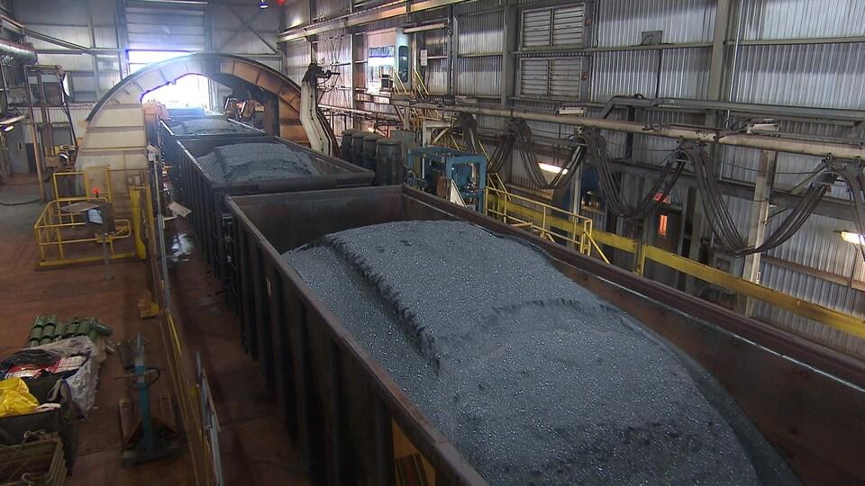 Les premiers trains de minerai de fer en provenance de la mine du lac Bloom.