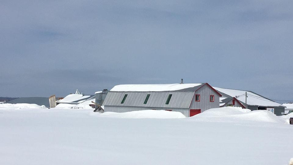 Toit d'une ferme effondré