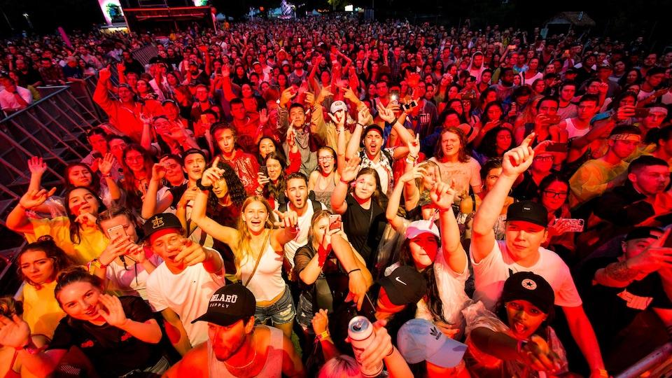 Les trombes d'eau qui se sont abattues sur Montréal n'ont pas empêché les festivaliers de profiter de la première journée de cette édition 2017 d'Osheaga.