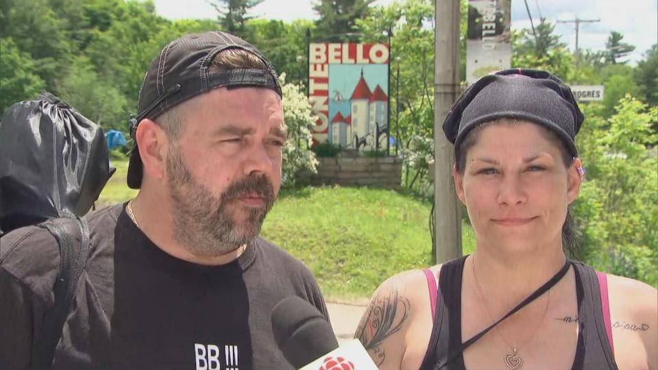 Deux festivaliers en entrevue.