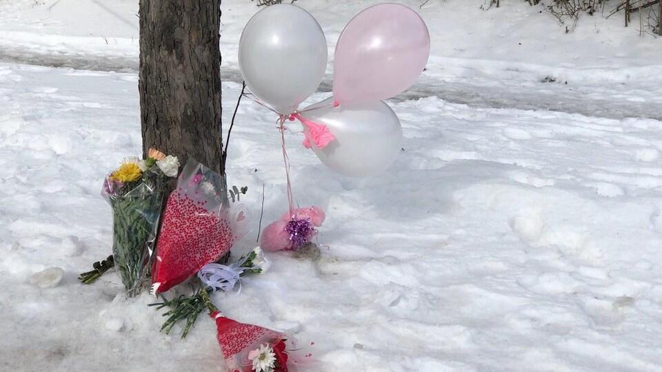 Des fleurs et des ballons