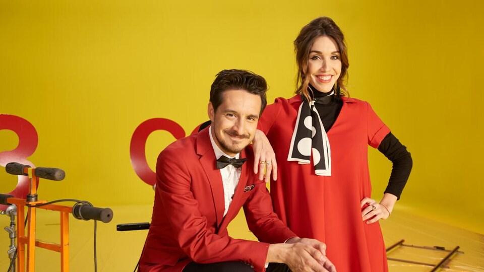 Sébastien Diaz et Bianca Gervais sourient à la caméra. L'homme est vêtu d'un veston et la femme, d'une robe.