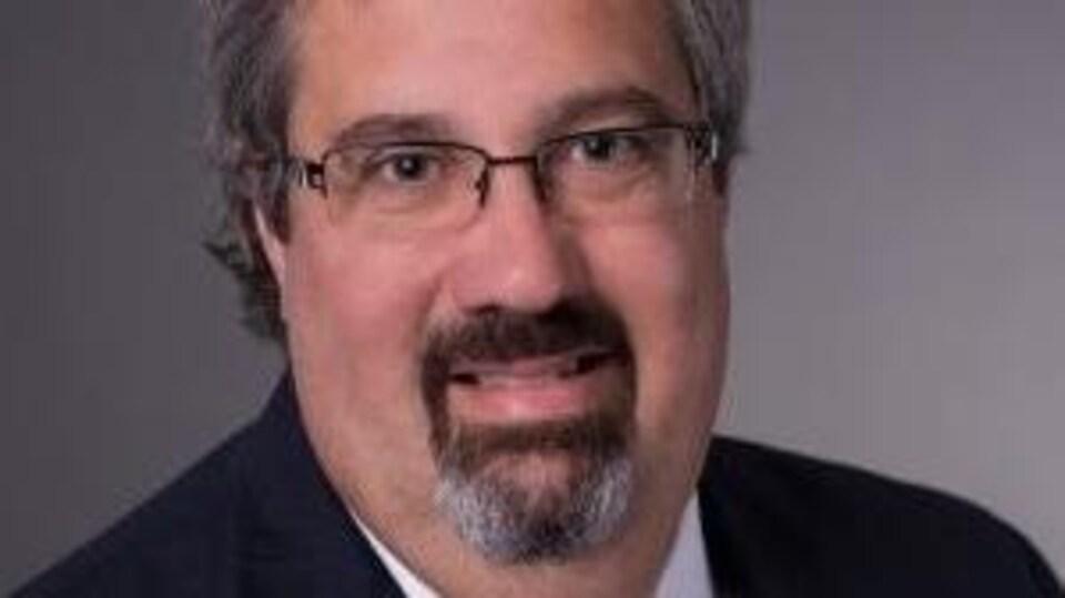 François Giroux, ancien directeur des communications du Bureau de projet du réseau structurant de transport en commun