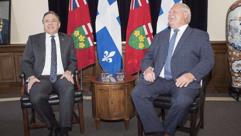 Les premiers ministres François Legault et Doug Ford lors d'une rencontre en novembre 2018.