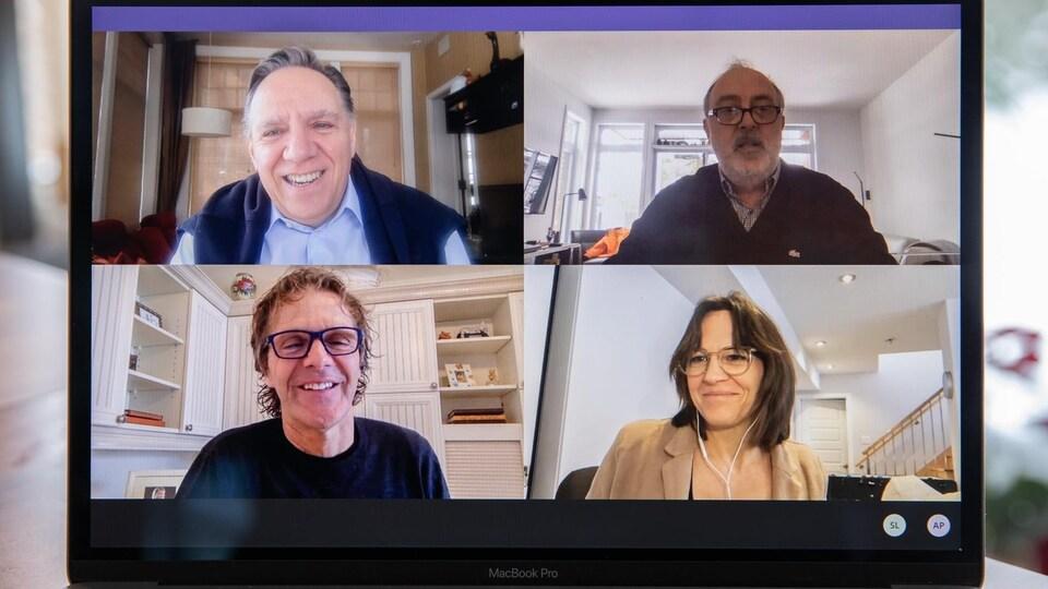 Quatre personnes participent à un appel par vidéoconférence, soit François Legault, Pierre Lavoie, Isabelle Charest et Germain Thibault.