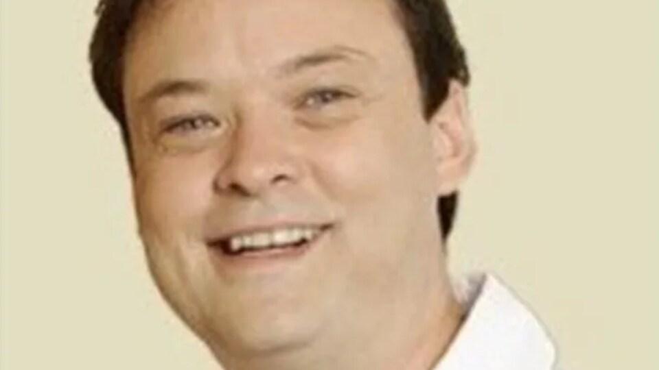 François Robert apparaît tout sourire dans une photo fournie par la police de Québec.