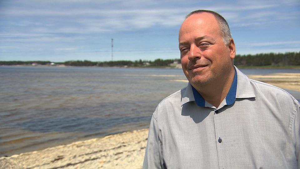 Frédéric lee est le directeur général de la Municipalité de L'Île-d'Anticosti.