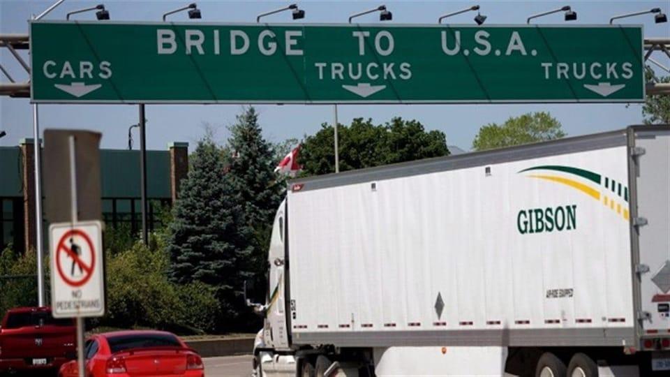Le pont Ambassadeur relie Windsor, en Ontario, à Détroit, dans le Michigan.