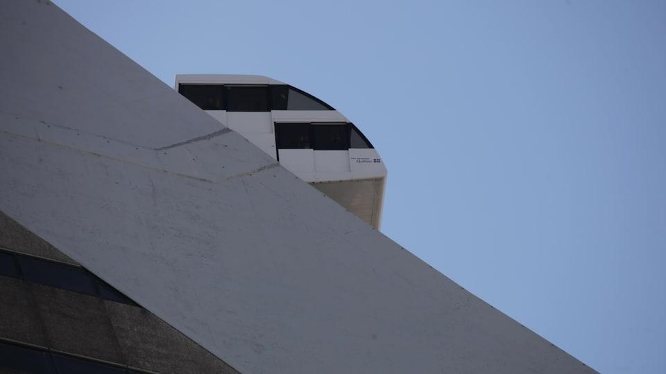 Le funiculaire de la Tour de Montréal.