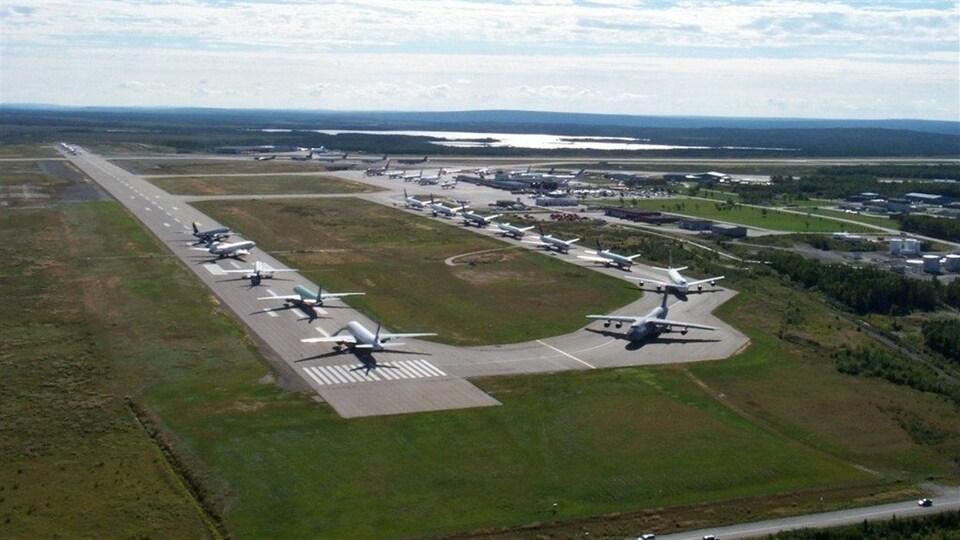 Les avions sur le tarmac de l'aéroport de Gander le 11 septembre 2001.