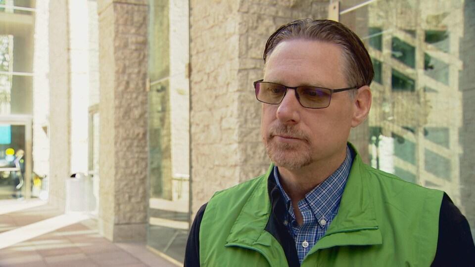 Gary Redmond est le directeur de la Alberta Capital Airshed, une agence qui surveille la qualité de l'air dans la région d'Edmonton.