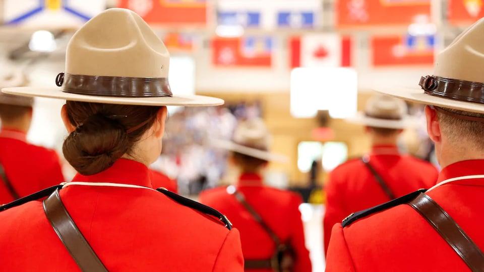Des agents de la Gendarmerie royale du Canada.