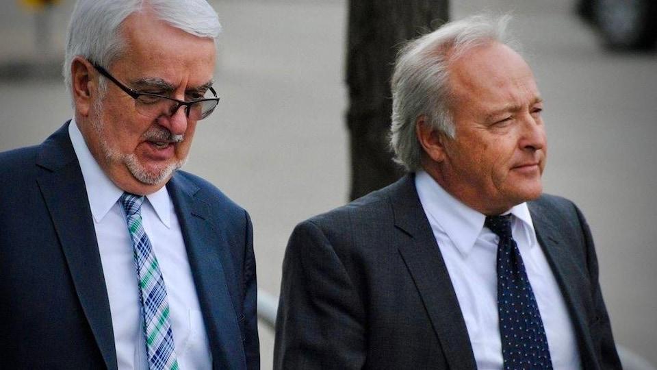 Une image du juge Michel Girouard et d'un de ses avocats, Me Louis Masson.
