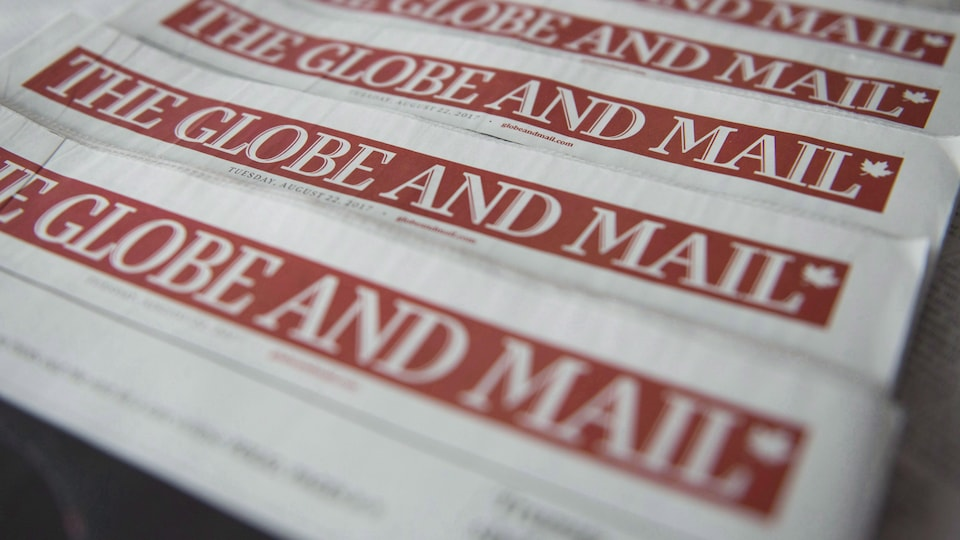 Une pile de « Globe and Mail »