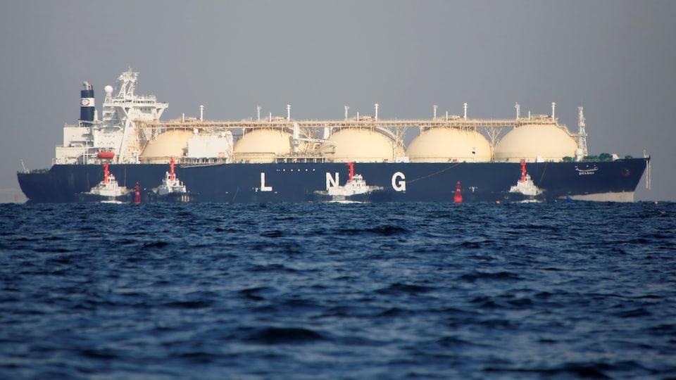 Un navire de transport gaz naturel liquéfié