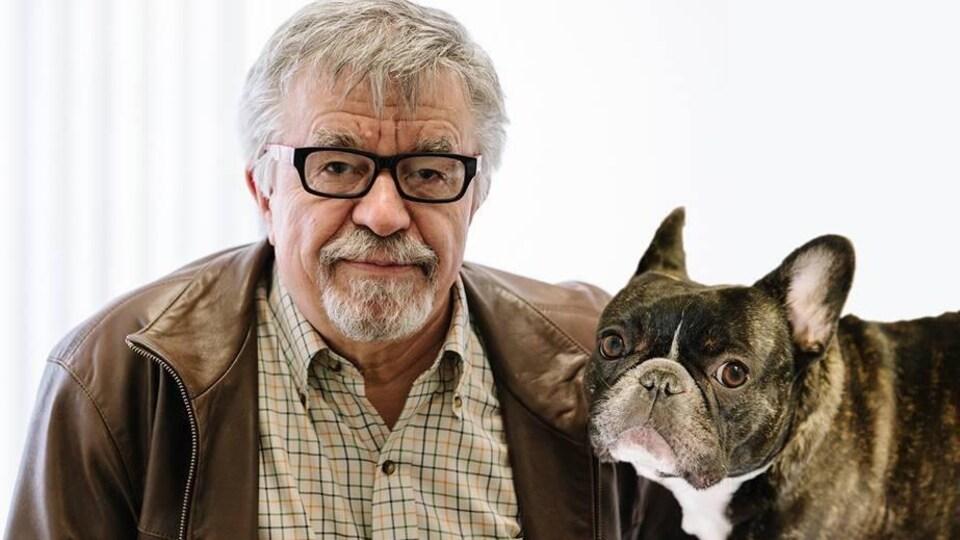 Gottfried Hildenbrand et son chien.