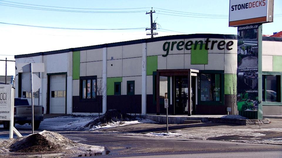 La devanture de l'entreprise Greentree à Edmonton.