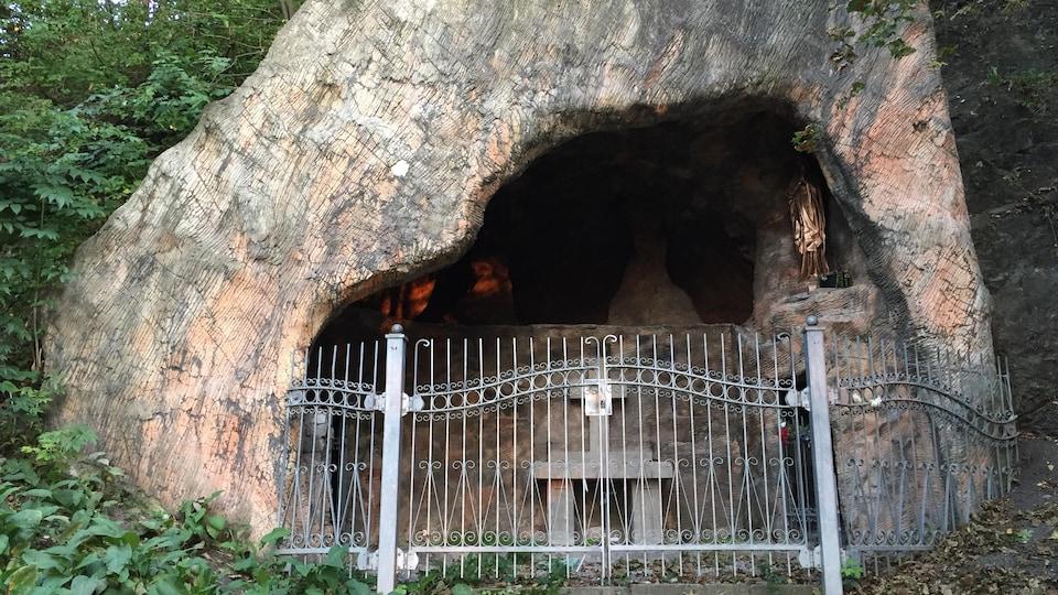 Une grotte dans la basse-ville de Québec