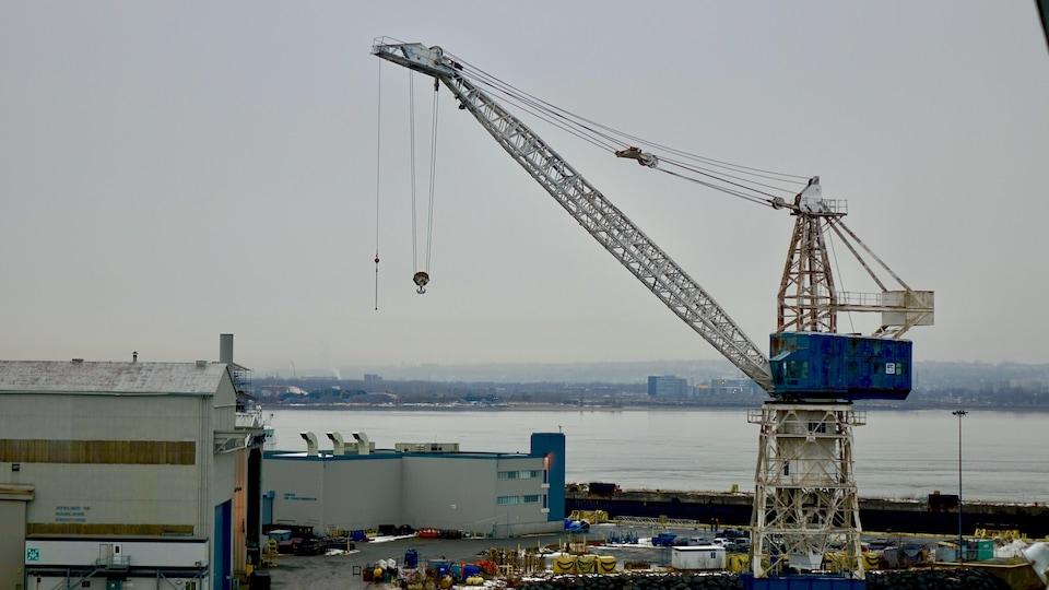 Une partie des installations du chantier maritime Davie, à Lévis, au Québec.