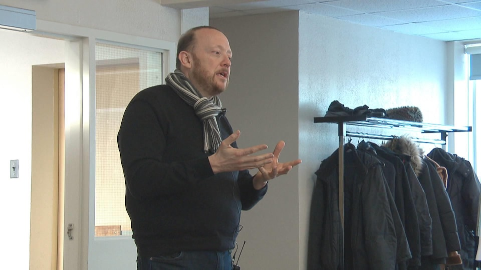 Guy Boutin donne une atelier sur l'écriture scénaristique pour la télévision, le cinéma et le web, à Moncton au Nouveau-Brunswick en janvier 2019.