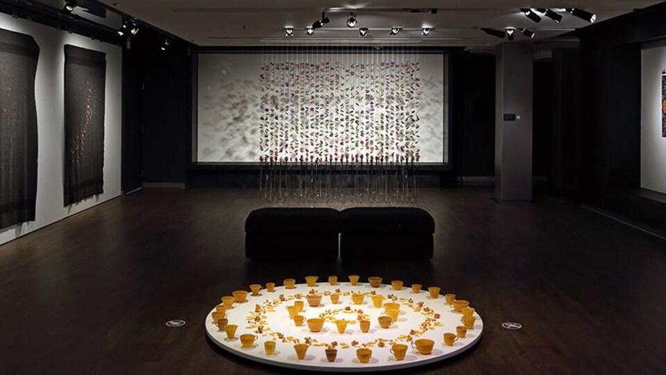 L'exposition C'est pas pour rien qu'on s'est rencontré : Hannah Claus au Musée McCord.